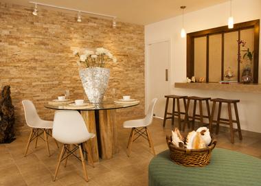R stica hermosura revista hogar ecuador for Patron de papel tapiz para sala comedor